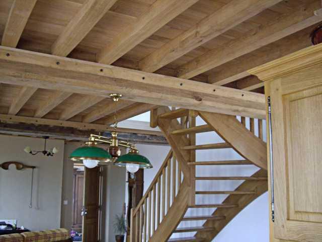Escalier et poutres chêne